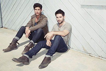 Image: US101 Acoustic Christmas For Kids ft. Dan + Shay