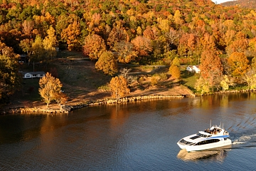 Image: River GORGEous Fall Color Cruise
