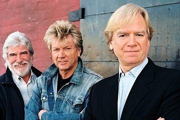 """Image: The Moody Blues """"Fly Me High Tour"""""""